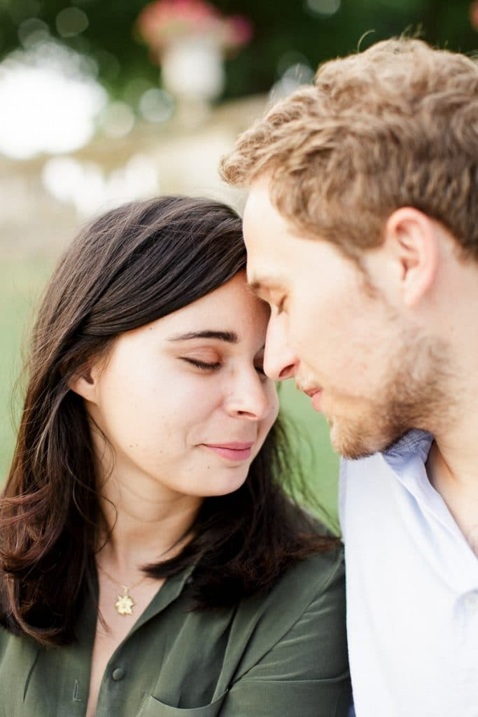 """A romantic engagement session in the """"Jardinf du Luxembourg"""" in Paris"""