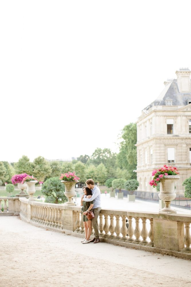 Romantic-engagement-session-in-Paris-Mickael-Barbier-4